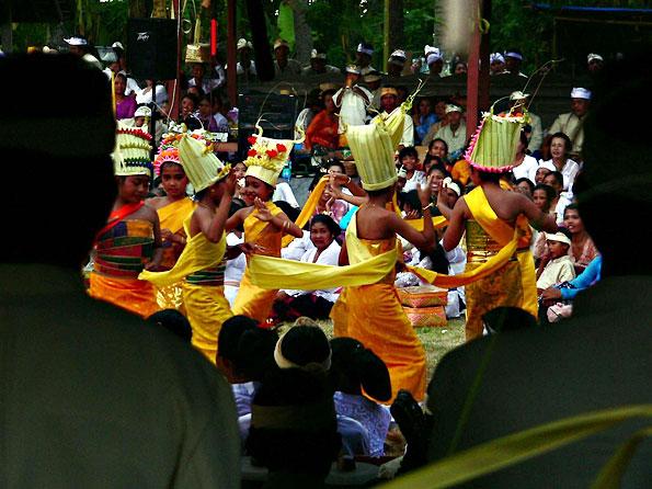 Rejang, een dans op Bali