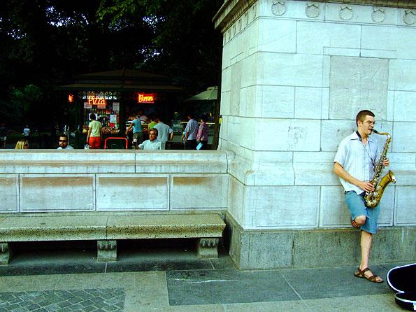 Een van de ingangspoorten van Central Park