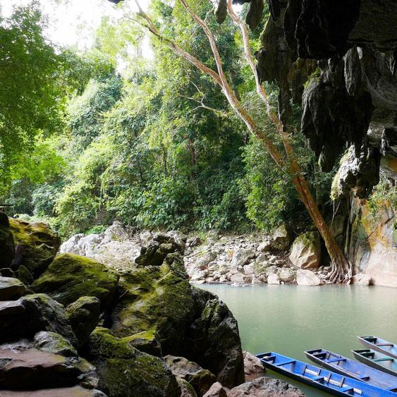 De Chong Om grotten in Laos